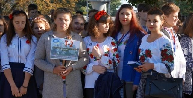 У професійно-технічних навчальних закладах міста Києва пройшли урочисті лінійки з нагоди початку 2017/2018 навчального року та Дня знань